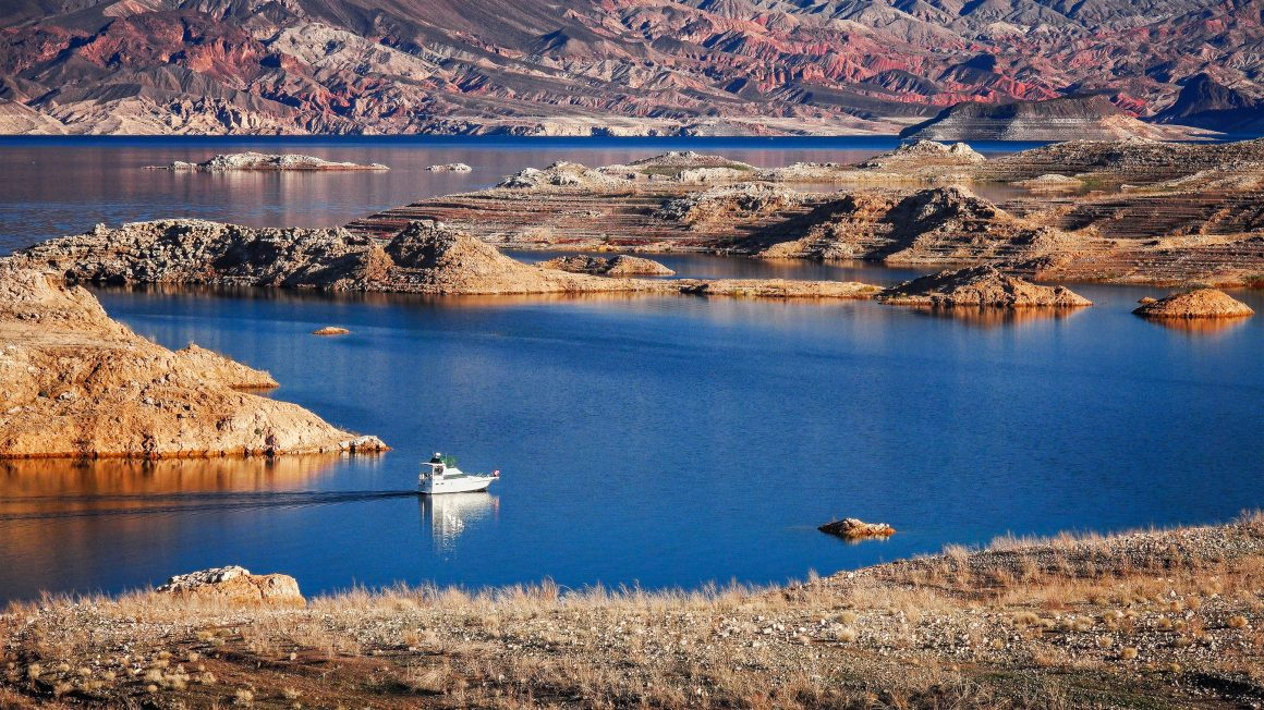 A powerboat cruising on Lake Mead.
